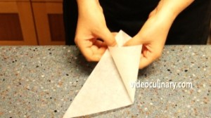 making-a-parchment-paper-cone_1