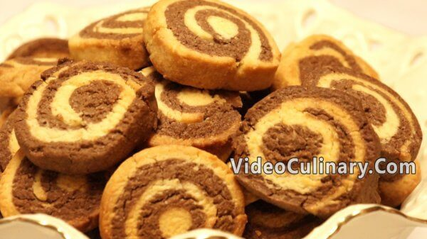 Pinwheel Chocolate & Vanilla Cookies