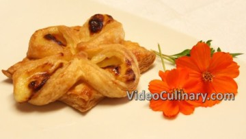 puff-pastry-custard-flowers_final