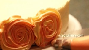 rose-swirl-cake-decoration_2