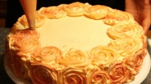 rose-swirl-cake-decoration_3