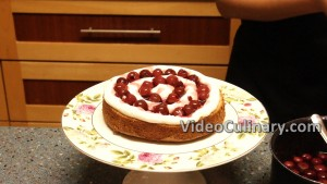 white-cake-with-cherry-filling_11