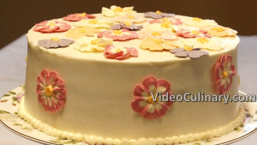 Simple Chocolate Cake with Buttercream Flowers